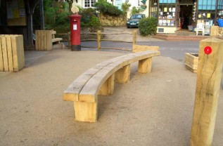 Peaslake (curved) Bench